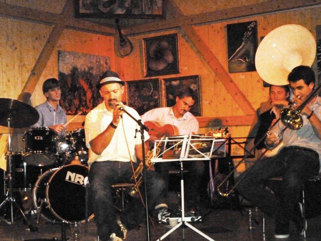 Nut Jazz Five bei einem Konzert im Jazzfleckerl Eßling