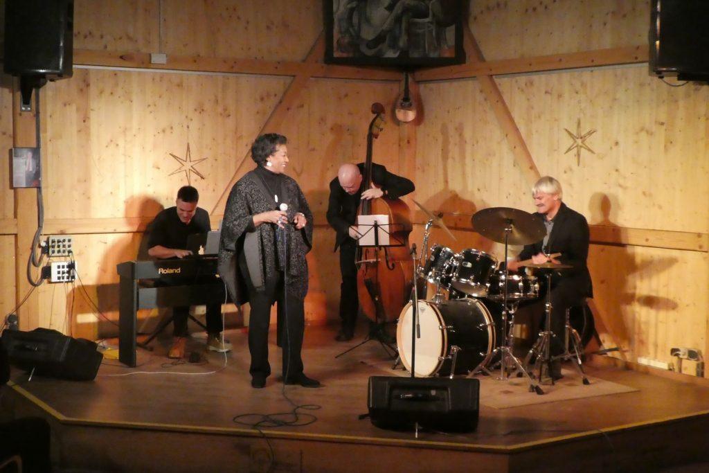 Bilder vom Konzert von Carol Alston und dem Markus Gaudriot Trio im Kulturfleckerl Eßling