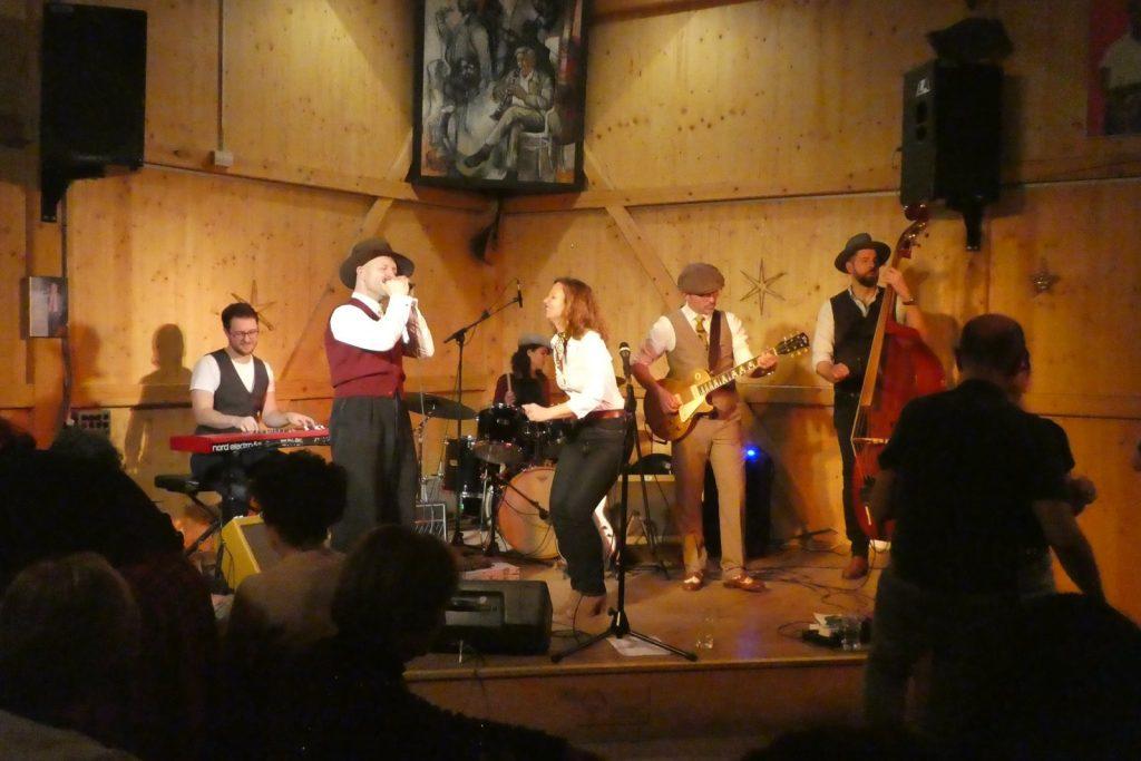 Bilder vom Konzert von Lilli Kern mit Herbie & The Mudcats im Kulturfleckerl Eßling